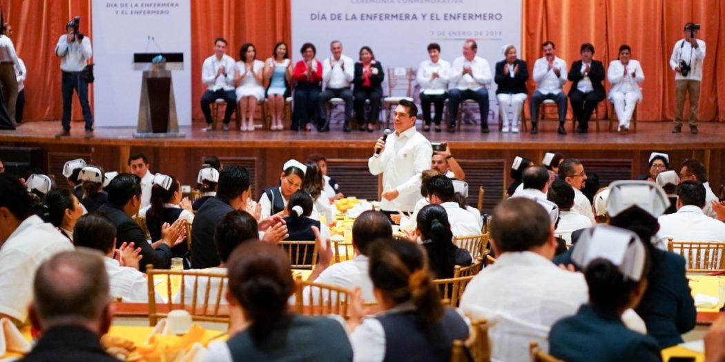 thumbnail_ENTREGA RECONOCIMIENTOS DÍA DE LA ENFERMERA Y DEL ENFERMERO3